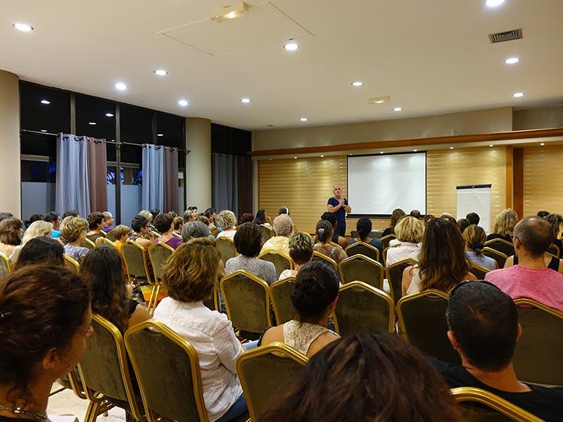 Conférence sur l'Art Vibratoire à Nouméa